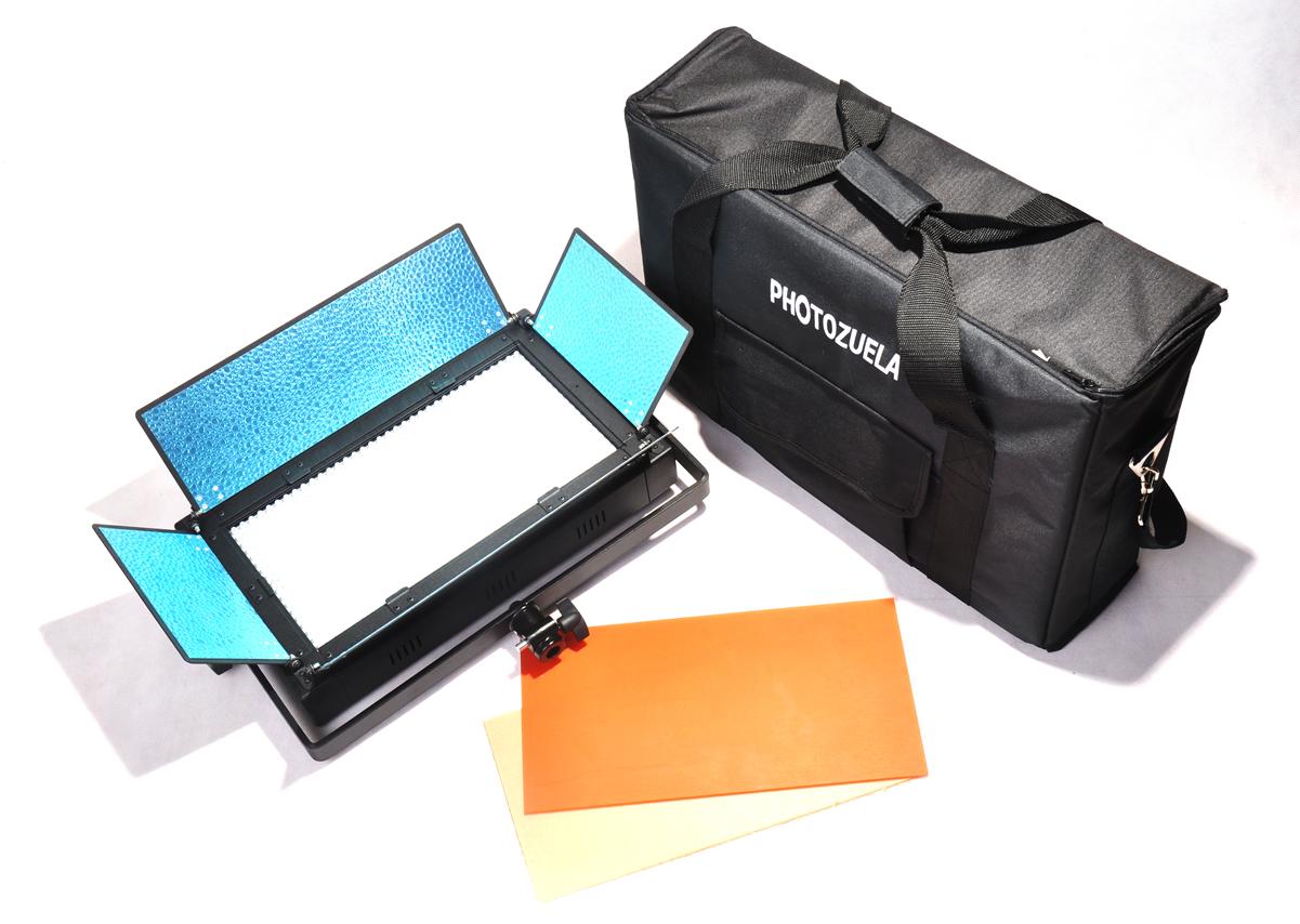 LED studio kit with softbox by Photozuela