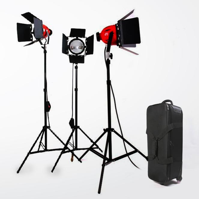 Red Heads 800w vintage studio lights setup by Photozuela